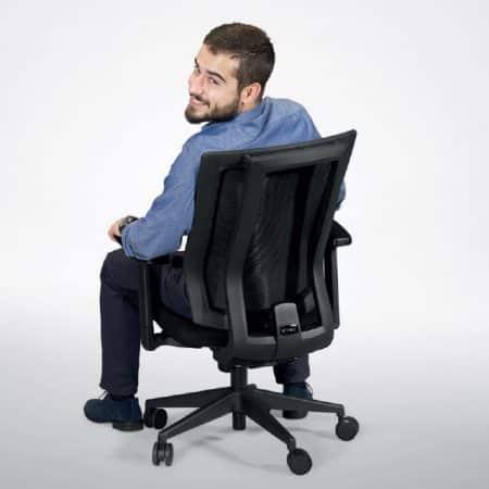Todas las regulaciones que esperas en una silla